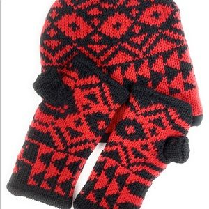 Red-black fleece lined beanie and gloves set